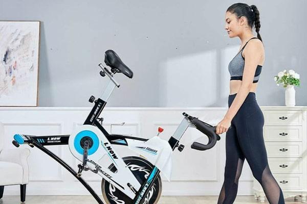 دوچرخه سواری و ورزش در خانه
