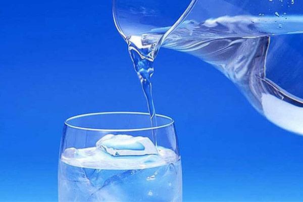 رژیم لاغری صورت با نوشیدن آب