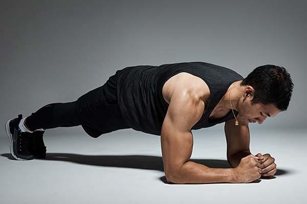 پلانک از بهترین ورزش برای لاغری