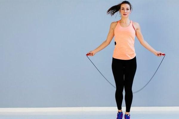 طناب بازی و ورزش در خانه